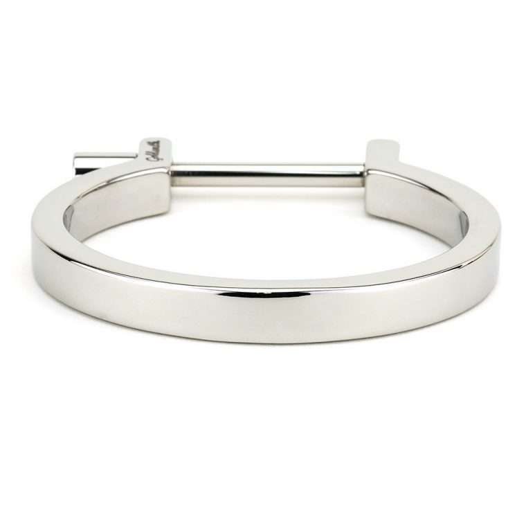 Goldsmith stainless steel cuff bar silver for women.