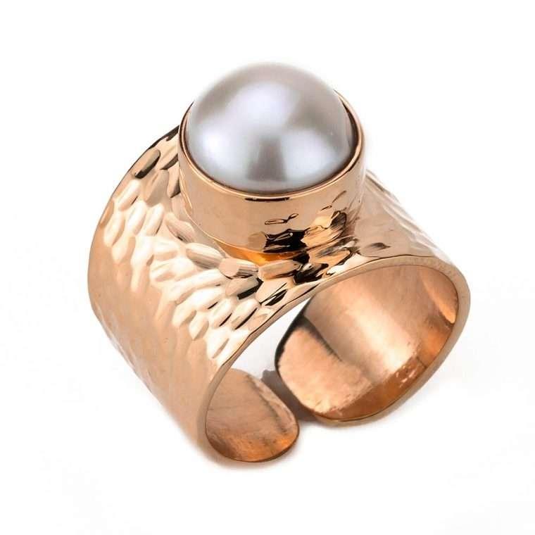 Γυναικείο Δαχτυλίδι με μαργαριτάρι σφυρήλατο